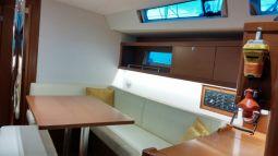 beneteau_oceanis_45_interior